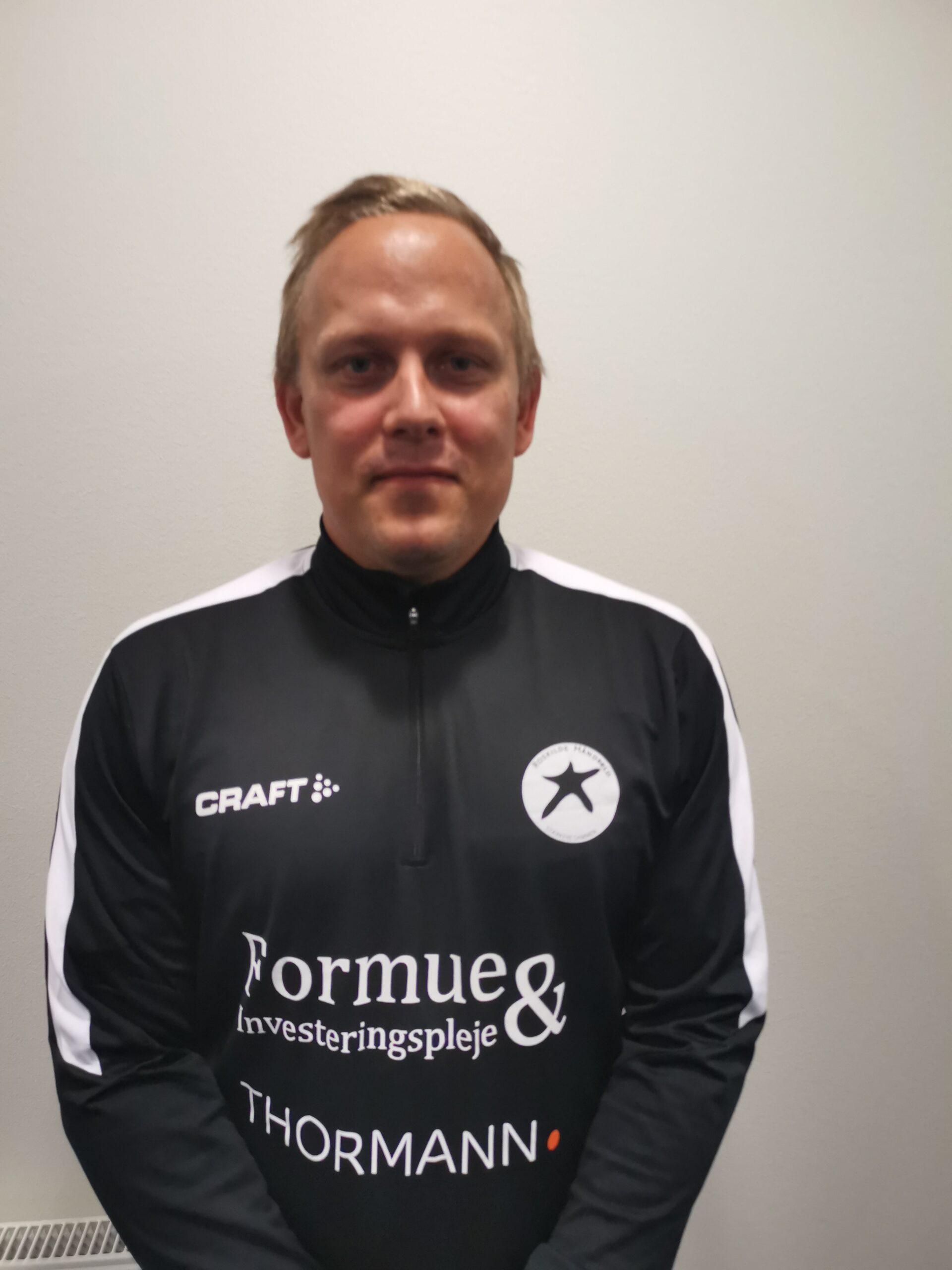 Kenneth Olsen fortsætter i Roskilde Håndbold