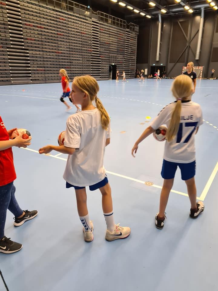 Indendørs håndbold for alle under 18 år starter nu